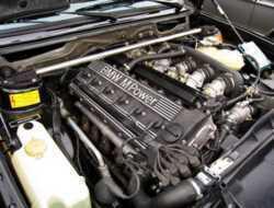 5 Cara Mengatasi Mesin Overheat Pada Mobil