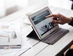 4 Langkah Menghasilkan Uang Dari Situs Berita