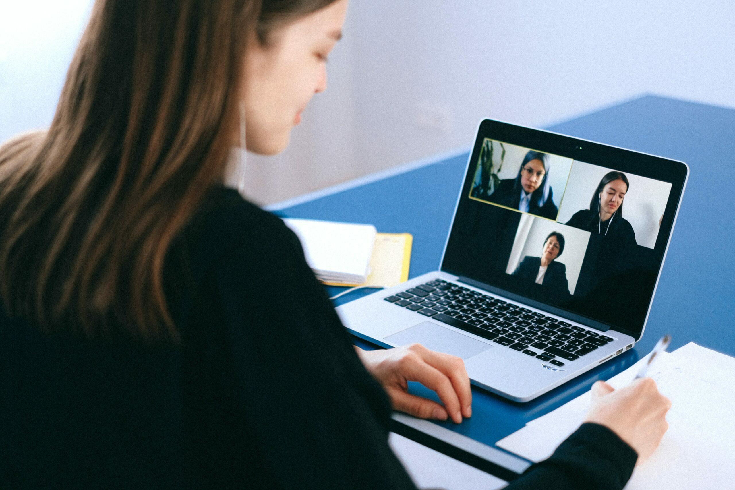 Aplikasi Meeting Online Terbaik Saat Ini
